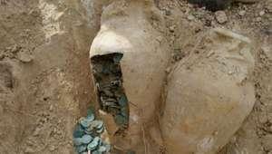 Tesoro en Tomarés: 19 ánforas con 600 kilos de monedas
