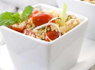 Salada tabule de peru com frutas