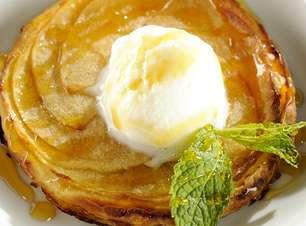 Torta crocante de maçã verde com sorvete de creme