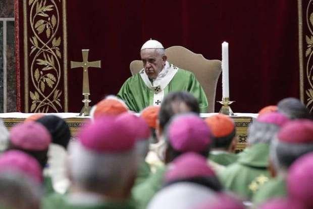 Papa Francisco torna obrigatória denúncia de abusos sexuais