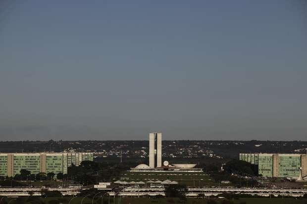 Esplanada dos Ministérios e Congresso Nacional, em Brasília 07/04/2010 REUTERS/Ricardo Moraes