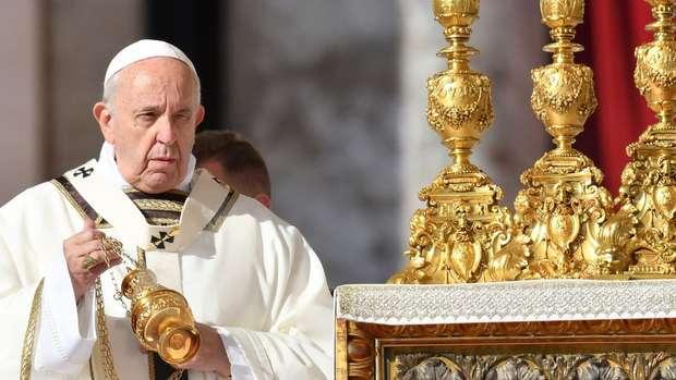 Papa Francisco canonizou cinco religiosos, incluindo Irmã Dulce