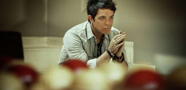 Alejandro Sanz presenta su gira más nostálgico que nunca