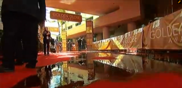 Un caño roto inunda la alfombra roja de los Globos de Oro