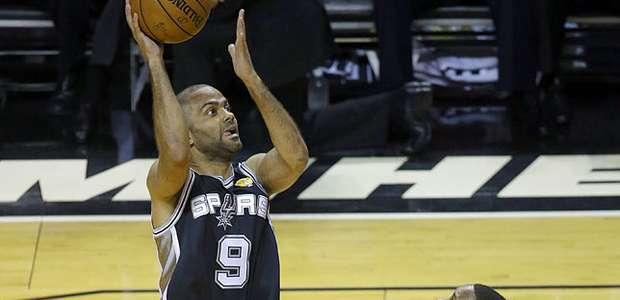 Spurs humillan 107-86 al Heat y ponen 3-1 en las Finales NBA
