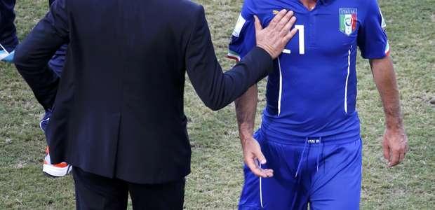 """""""Se novo treinador quiser, estou à disposição"""", diz Pirlo"""