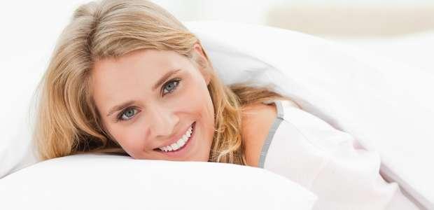 """Fronha do travesseiro pode causar """"rugas de sono"""""""