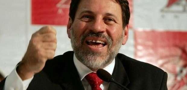 Barroso autoriza Delúbio Soares a passar Natal com a família
