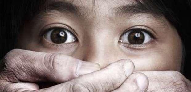 El Salvador: Iglesia suspende a obispo acusado de pedofilia