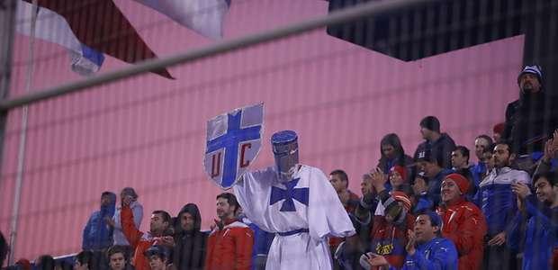 U. Católica reducirá altura de las rejas en su estadio