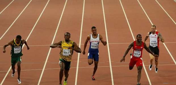 Bolt vence a Gatlin en 200m y logra décimo oro en Mundiales