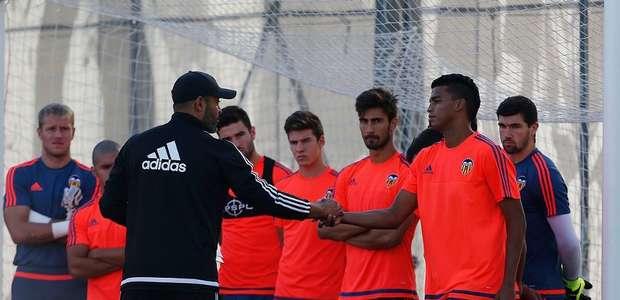 Aderllan Santos ya se entrena con el Valencia