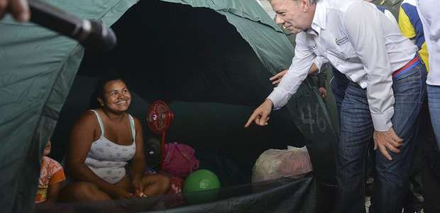 Santos considera 'increible' la deportación por nacionalidad