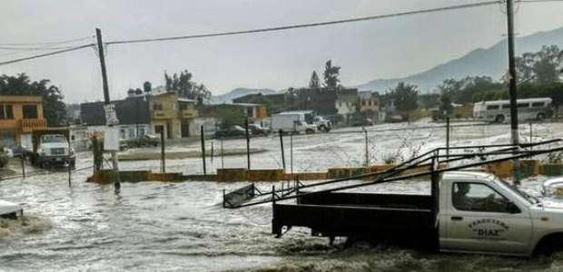 Lluvia y granizada deja tres muertos en Coacalco y Ecatepec