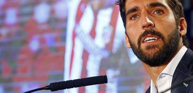 Raúl García se despide del Atlético entre lágrimas