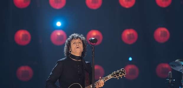 Bunbury recuerda a Héroes del Silencio en MTV Unplugged