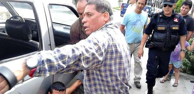 Trujillo: vecinos agarran a correazos a ladrón de celular