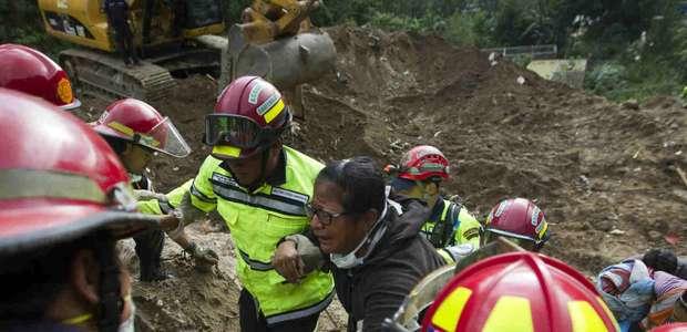 Muertos por alud de tierra en Guatemala aumentan a 131