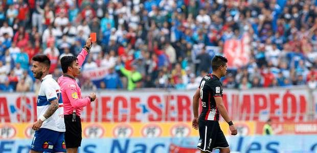 Esteban Pavez recibe el mínimo de seis fechas por escupitajo