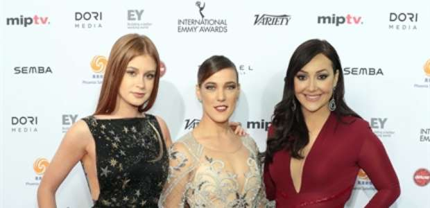 Marina Ruy Barbosa e famosas prestigiam Emmy Internacional
