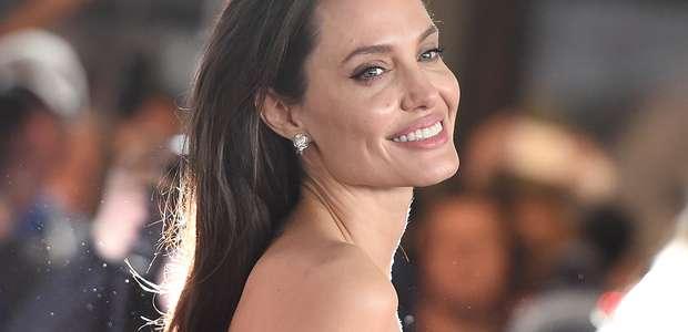 Así se veía Angelina Jolie en su juventud