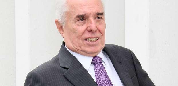 Enrique Guzmán se encuentra hospitalizado