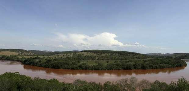 Rompimento de barragem encheu Rio Doce de metais tóxicos