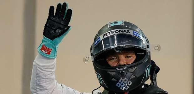Rosberg se lleva la última pole y Alonso sufre un pinchazo