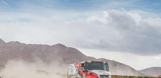 DAKAR: camión con tripulación argentina sorprende al mundo