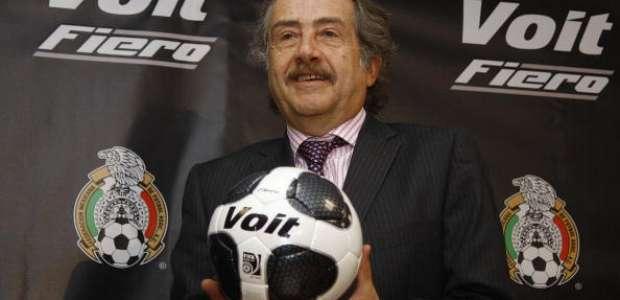 Femexfut rechaza postura de Chivas por seleccionados