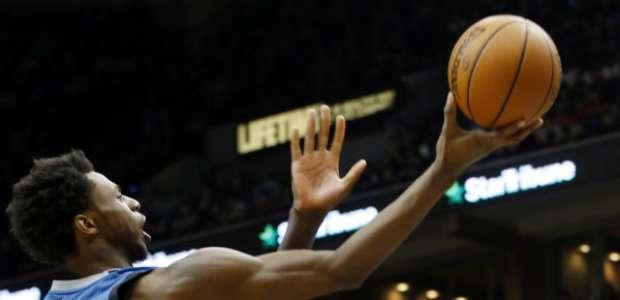 Timberwolves remonta en los últimos segundos a los Bulls