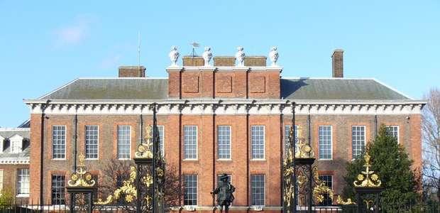 Se prende fuego frente al Palacio del príncipe Guillermo