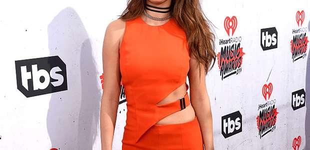 Selena Gomez hace realidad sueño de fan con rara enfermedad