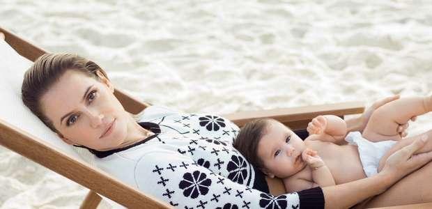 Deborah Secco faz ensaio com a filha Maria Flor para revista