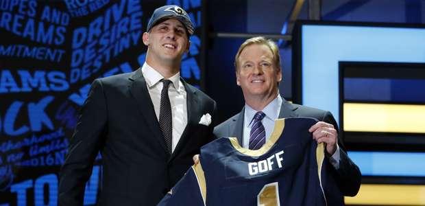El Qb Jared Goff, primera selección del draft 2016 de la NFL