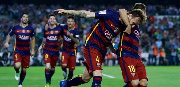 Barcelona cumple y se mantiene en la cima