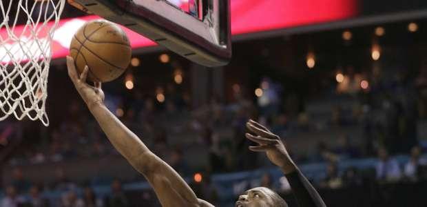 El Heat se defiende en Charlotte y jugarán séptimo partido