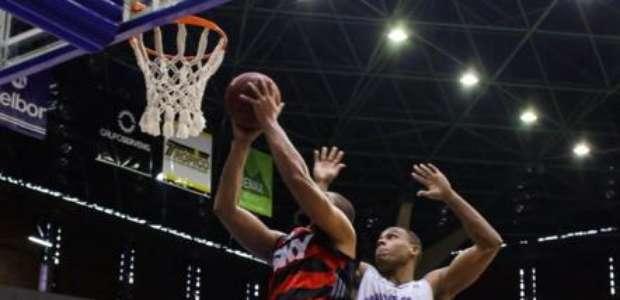 Fla faz 81 a 71 no Mogi e empata a série semifinal da NBB
