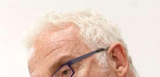 Carcuro dice que Claudio Palma obligó su retiro como relator