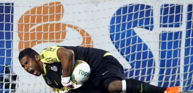 Goleiro ainda sofre com racismo: 'Temos que batalhar ...