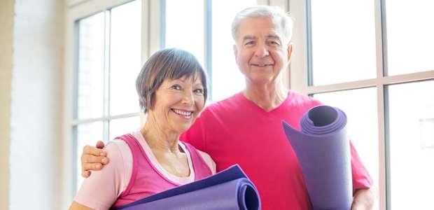 Praticar atividades físicas regulares é essencial para a ...