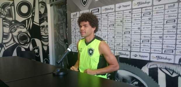 Camilo destaca 'estreia de gala' pelo Botafogo e ganha ...