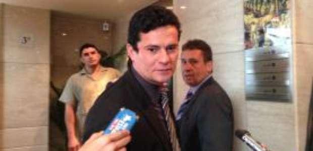 Moro nega estar impedido de atuar em processos contra Lula
