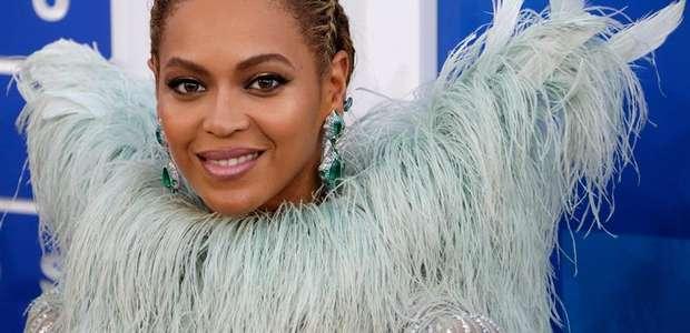 El look de Beyoncé en los VMAs genera memes virales
