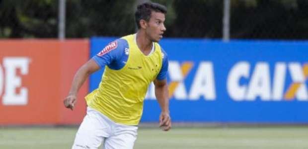 Mano encaminha Cruzeiro com Henrique no meio diante do Bota