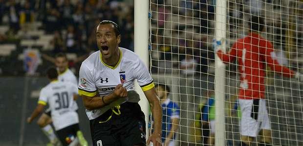 Colo Colo vence Huachipato y evita primer fracaso de Guede