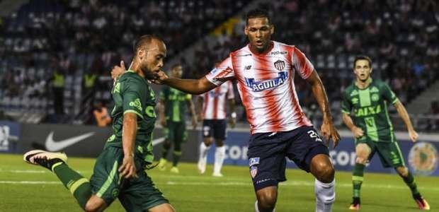 Chapecoense abre quartas históricas com derrota na Colômbia