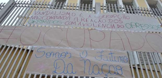 Com escolas ocupadas, TRE do Paraná altera locais de votação