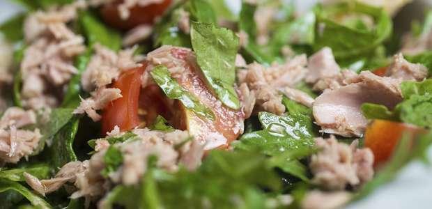 Ensalada de espinaca, piña y atún: receta súper fácil ...