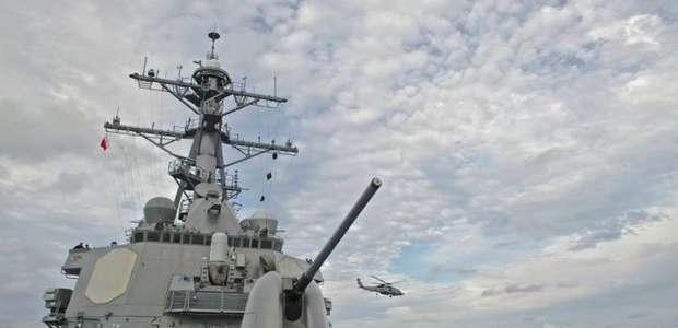 Pequim critica passagem de navio de guerra americano ...